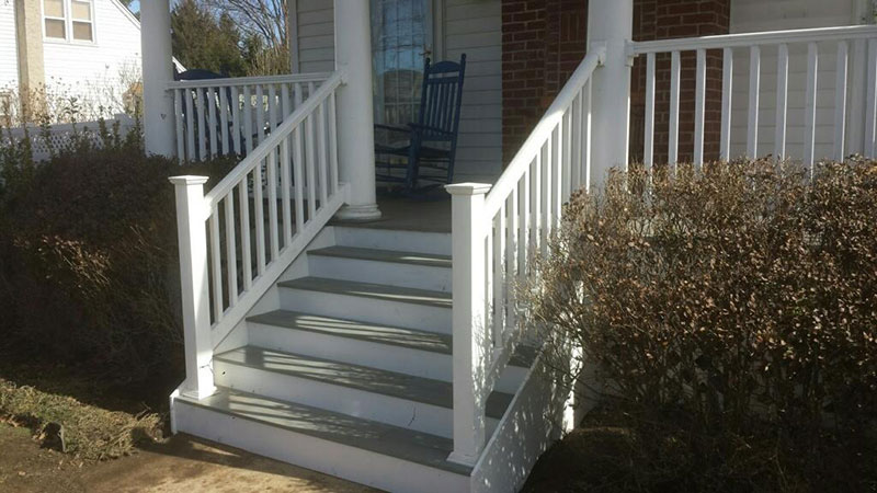 whitefenceporch2