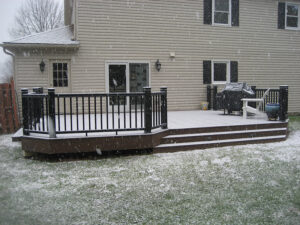 building a new deck during winter